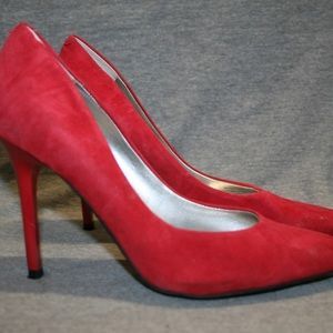 GUESS Merilyn Red Suede Pumps 8 M